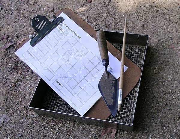 clip board and dig supplies