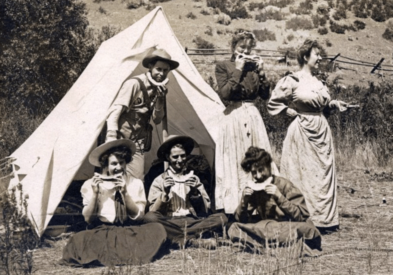 Turn of the century campers. (Image source http://victorian-era.org/)